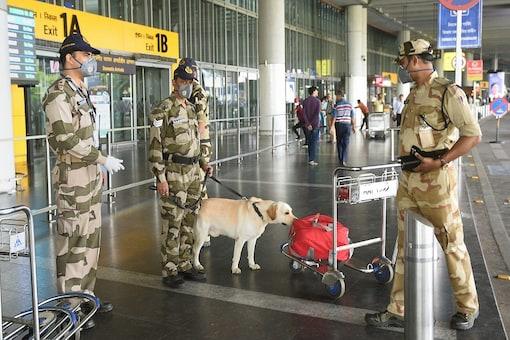 File photo: CISF jawans check unattended baggage at Kolkata airport. (PTI)