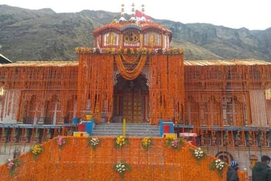 The four famous Himalayan shrines of Badrinath, Kedarnath, Gangotri and Yamunotri in Uttarakhand's Garhwal region are known as 'Chardham'.(Image: News18)