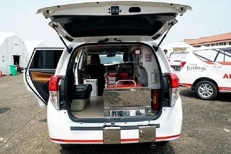Toyota-Innova-Ambulance-2