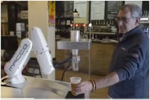 Watch: Robotic Bartender Serves Beer to Customers in Seville as Pubs and Bars Reopen in Italy