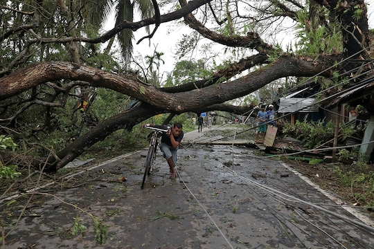 Cyclone Nisarga LIVE Updates: Cyclone May Make Landfall in 2 Hrs, Says IMD; Storm Likely to Blow off Rooftops, Snap Power Lines, Damage Roads & Trees