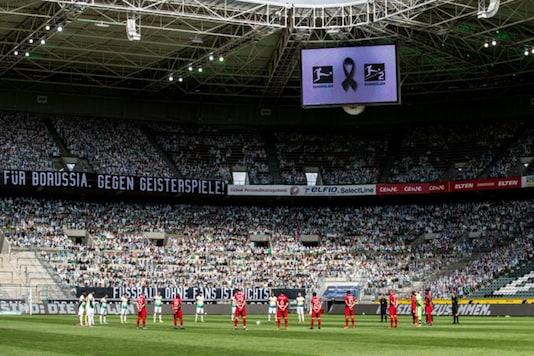 Cardboard cutout of Borussia Monchengladbach fans (Photo Credit: Twitter)