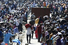 Hundreds of Migrants Crowd Railway Stations in Mumbai Yet Again