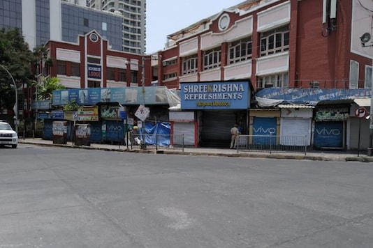Markets remain shut in Mumbai during the fourth phase of the lockdown. (Photo: Vinaya Deshpande/News18)