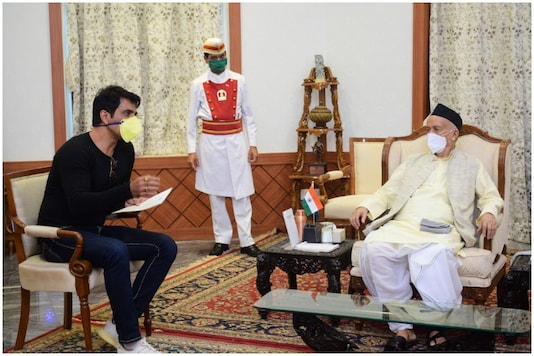 Sonu Sood Meets Maha Governor, Discusses His Work for Migrants During Lockdown