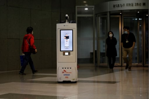 A self-driving robot travels during its demonstration at the headquarters of SK Telecom in Seoul, South Korea, May 26, 2020. REUTERS/Kim Hong-Ji