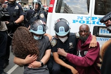 Powerful Pictures From George Floyd Protests Across the United States