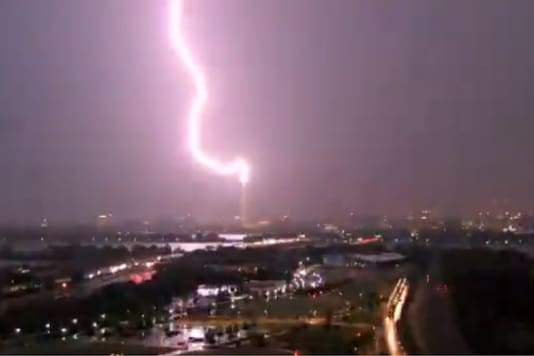 'Thor Joins the Protests': Twitter Shocked After Lightning Strikes Washington Monument