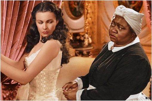 """Vivien Leigh with Hattie McDaniel, the first black woman to have been nominated and won an Academy Award for her performance as """"Mammy"""" in Gone with the Wind."""