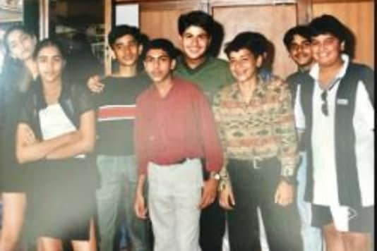 Arjun Kapoor Shares 'Some Serious Throwback' Pic with Cousin Sonam Kapoor