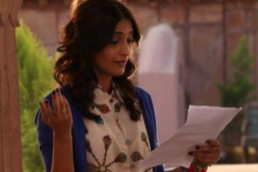 Sonam Kapoor Yearns to Go Back to a Film Set, Shares BTS Pic from Khoobsurat