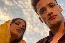 Himanshi Khurana's Stunning Selfie With Boyfriend Asim Riaz Breaks The Internet; See Here