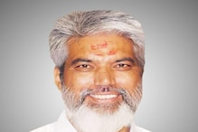 Posing as Farmer, Maharashtra Minister Visits Urea Shop After Receiving Complaints
