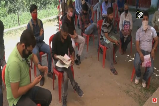 J&K administration issues domicile certificates to non-permanent residents in Doda. (Representational Image: ANI)