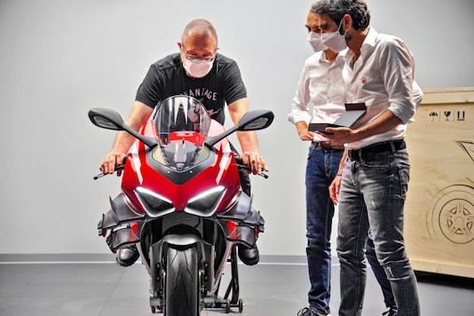 First Ducati Superleggera V4. (Image source: Ducati)