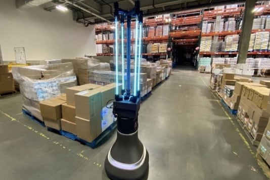 The CSAIL team's robot could disinfect a 4,000-square-foot space in the food bank's warehouse in just half an hour. (Image: Alyssa Pierson/CSAIL)