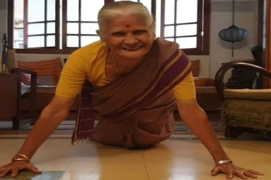 'Fitness Goals': Milind Soman's Mother Doing Push-ups at 81 is Truly Inspirational