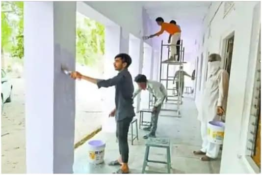 Migrant workers  from 75 UP districts will be employed in the construction of government schools and playgrounds | Image credit: Twitter (Representative)