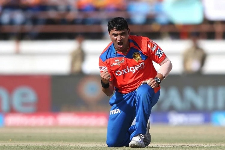 CPL 2020 Drafts: Rashid Khan Picked up by Barbados Tridents; Pravin Tambe Set to Become 1st Indian to play in the CPL Signed by Trinbago Knight Riders Caribbean Premier League