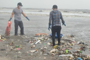 Randeep Cleans Beach Amid Heavy Rain & COVID-19 Pandemic
