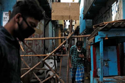 A makeshift barricade in Dharavi to stop infected people from entering their colony in Dharavi. (Reuters)