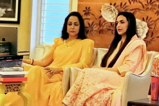 Esha Deol Refutes Rumours That Hema Malini Is Tested Positive For Covid-19, Latter Shares Video Update
