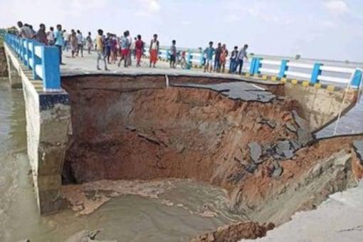 A picture of the bridge posted by Tejashwi Yadav. (Twitter/@yadavtejashwi)