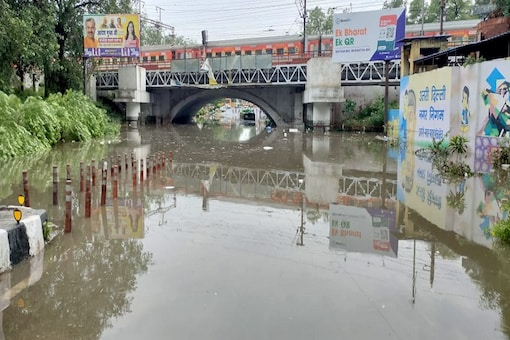 A submerged stretch at Minto Road in Delhi on Sunday. (News18)
