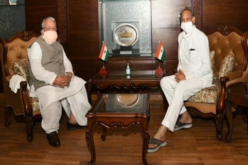 Rajasthan Chief Minister Ashok Gehlot (left) with Governor Kalraj Mishra.