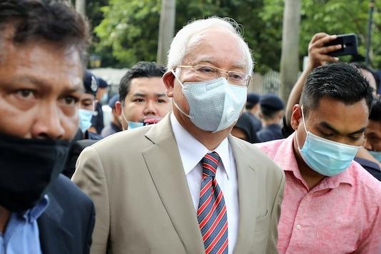 Former Malaysian Prime Minister Najib Razak arrives at Kuala Lumpur High Court in Kuala Lumpur, Malaysia July 28, 2020. (REUTERS/ Lim Huey Teng)