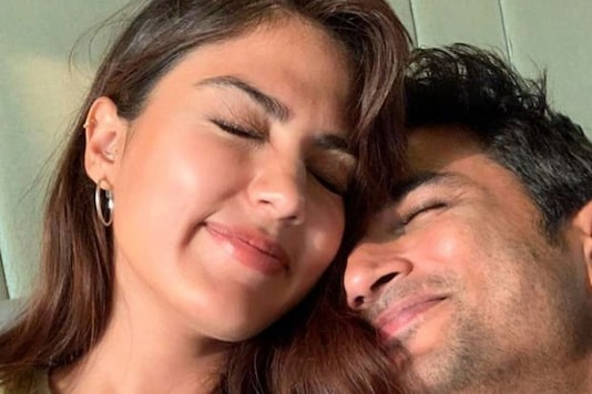 Sushant Singh Rajput's Father Alleges Rhea Chakraborty Got Him Treated By 'Conniving' Doctors