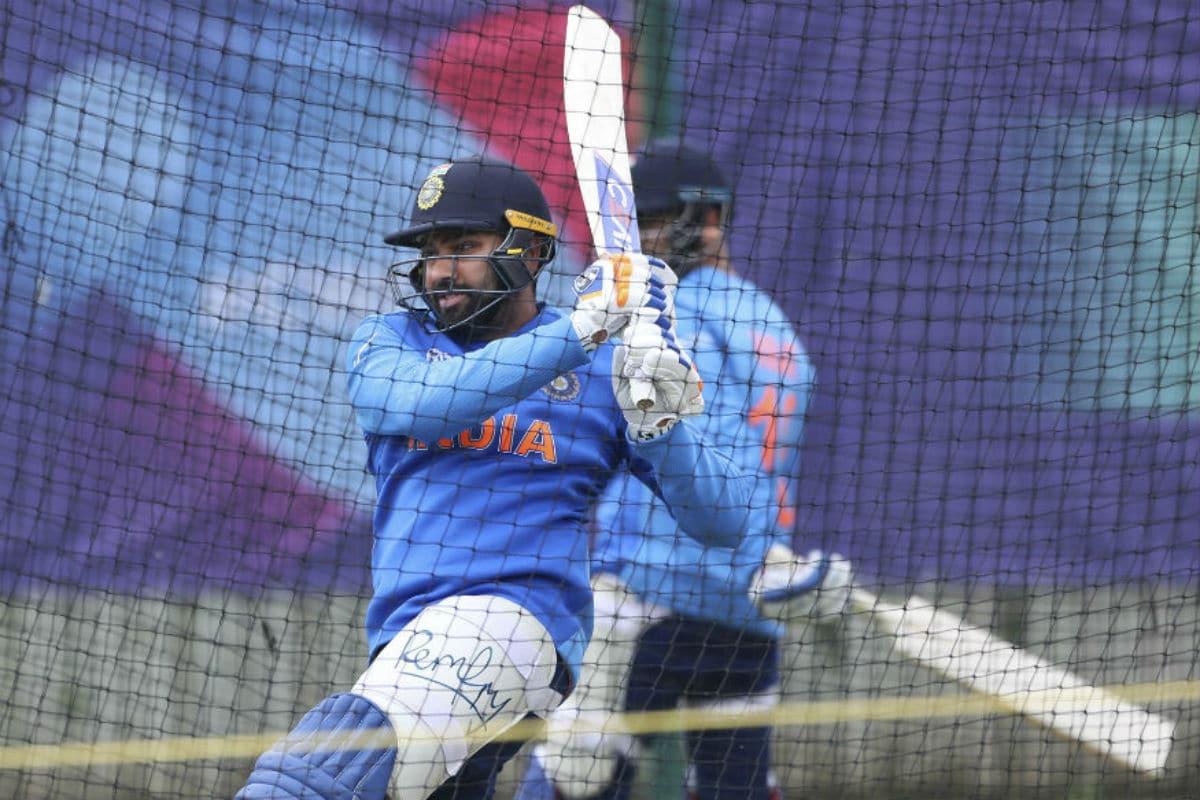 India vs Australia 2020: Sunil Gavaskar Perplexed with Rohit Sharma's Exclusion from Team, Demands Clarity