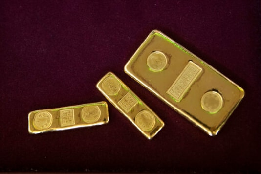 Gold's luster grows as investors hedge in uncertain times