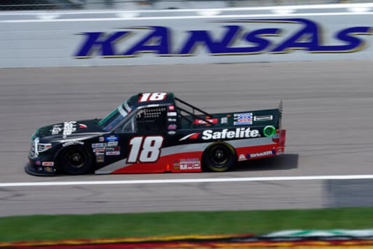 Crafton ends 67-race winless drought in Truck race at Kansas