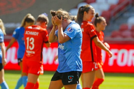 Upstart Dash win the Challenge Cup 2-0 over the Red Stars