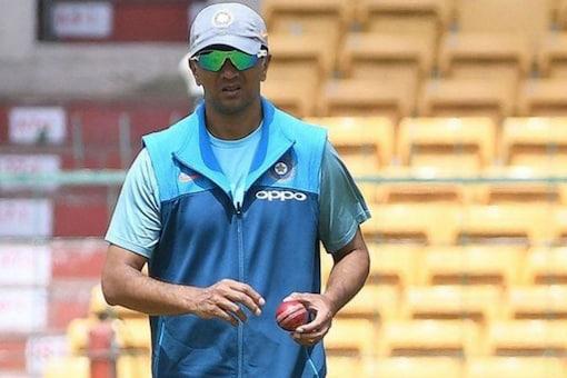 India vs Australia: Rahul Dravid to the Rescue of Team India? Dilip Vengsarkar Has a Suggestion