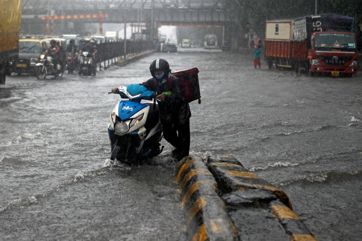 Mumbai Rains LIVE Updates: Colaba Receives Heaviest August Rainfall in 46 Yrs; IMD Issues Orange Alert for Pune, Ratnagiri and Kolhapur