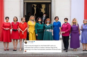 Polish MPs Drape in Rainbow Hues to Support LGBTQ Rights on 'Homophobic' President's Swearing-in