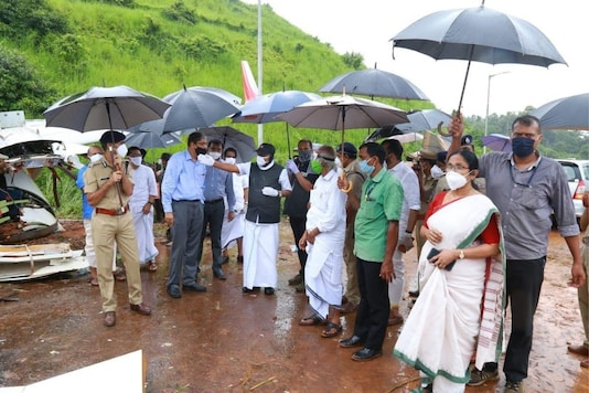 Kerala CM Pinarayi Vijayan and other ministers visited the crash site in Karipur on Saturday.