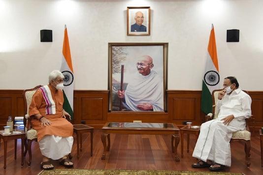 Lieutenant Governor of Jammu & Kashmir Manoj Sinha with Vice President M Venkaiah Naidu at Upa-Rashtrapati Nivas in New Delhi on Monday. (Credit; News18)
