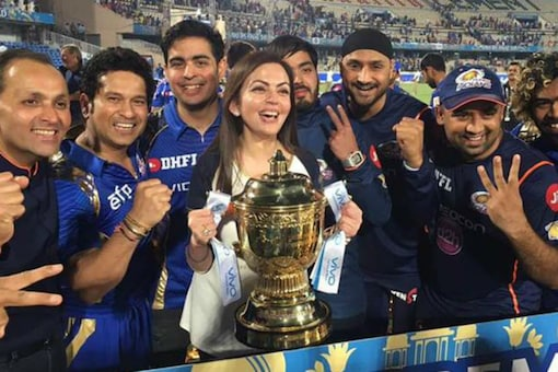 2017: Final between Mumbai and Pune has to be the most closely fought summit clash in the IPL. Mumbai were restricted to only 129/8 in their 20 overs, yet they managed to win the title, only by one run though. Krunal Pandya smashed 47 from 38 balls to give some respectability to the total. In reply, RPS were cruising at 71/1, but then a turnaround happened. Mitchell Johnson reserved his best for the last and bagged three wickets in the final over to snatch a victory from the jaws of defeat to hand Mumbai their third title. (Twitter)