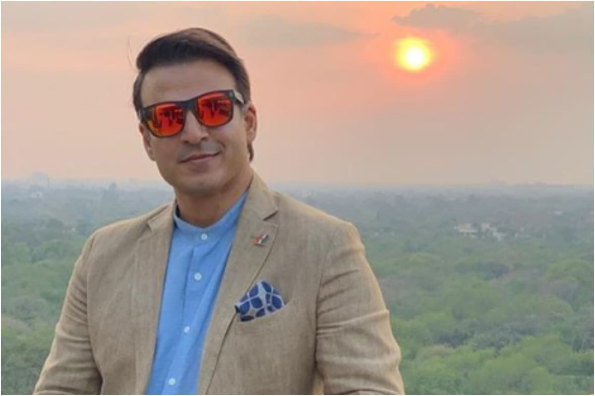 Vivek Oberoi Shares Wishes on Occasion of Janmashtami 2020, Watch Video