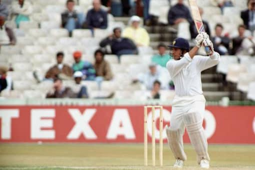 India had a great opportunity for a rare Test win (back then) in the Caribbean but they made a mess of the 120-run chase in the third Test at Bridgetown, Barbados in 1997. Curtly Ambrose, Ian Bishop and Franklyn Rose ran through the Indian line-up cleaning them for just 81. VVS Laxman, opening the innings, was the only batsman to reach double digits - he scored 19. The rest - including the likes of Dravid, Tendulkar, Ganguly and Azharuddin - fell like a pack of cards one after the other.