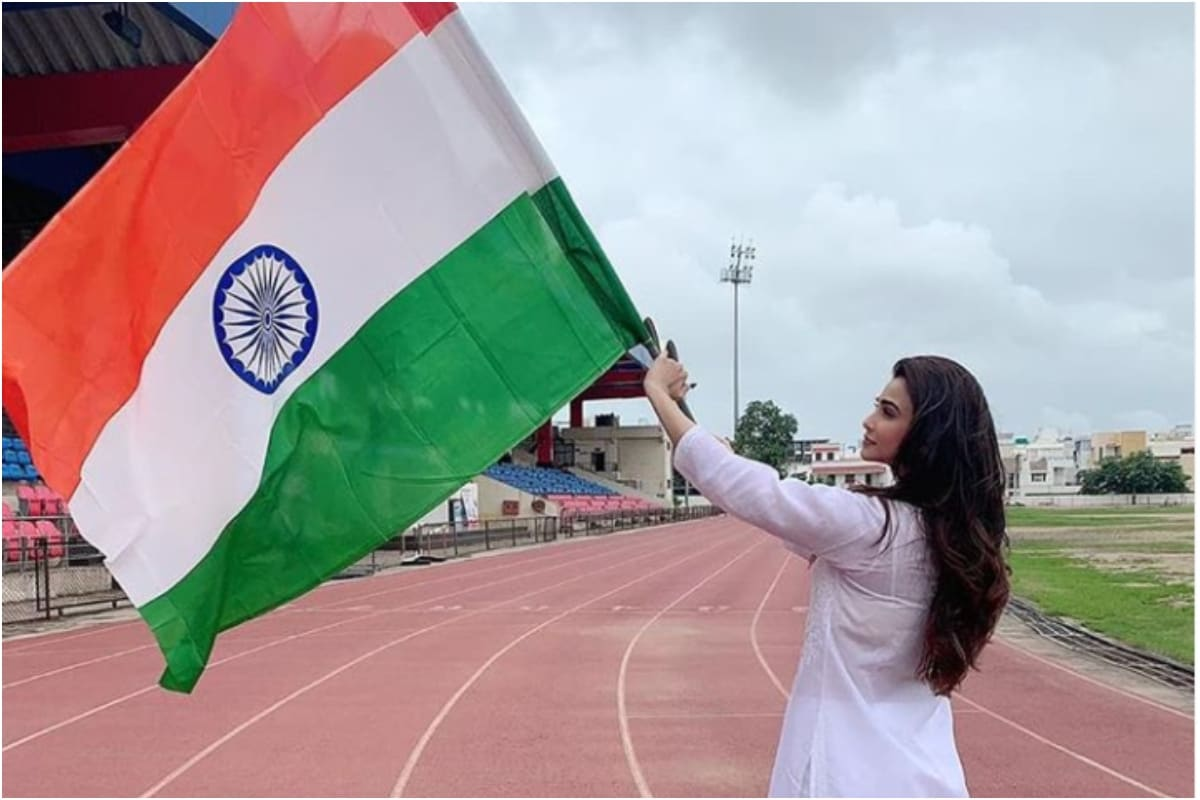 Bollywood Celebs Share Tricolour Posts to Wish Happy Independence Day
