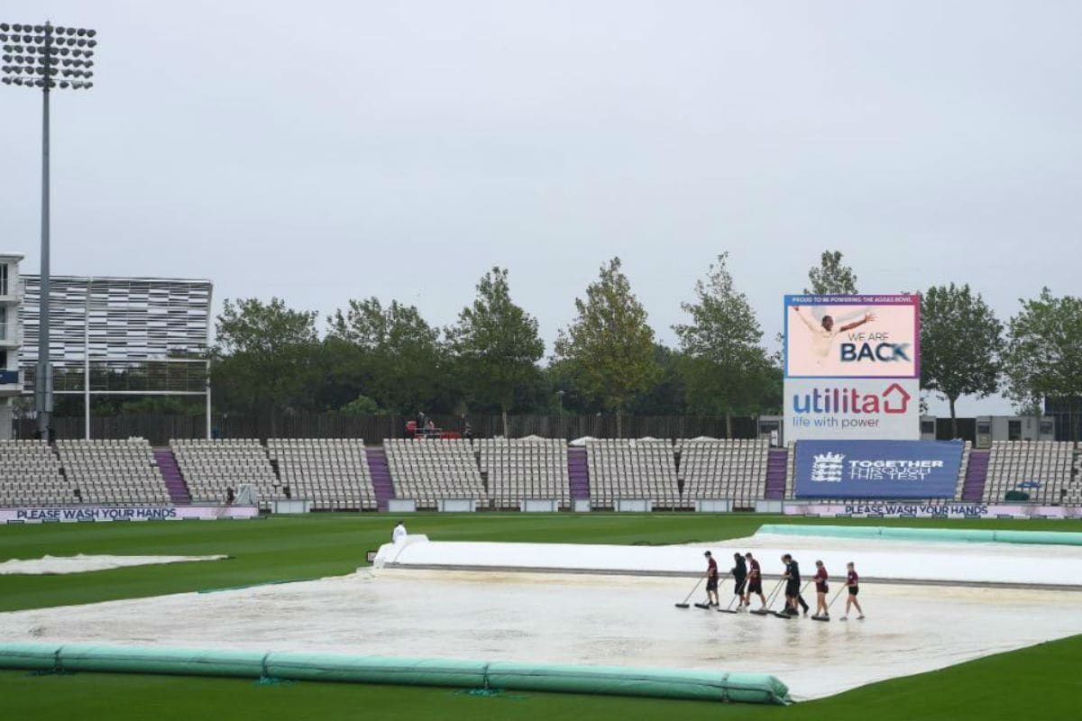 England vs Pakistan 2020: Rain Washes Out Morning Session, Game Heading for Draw