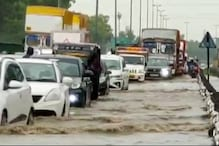 After Heavy Rains in Delhi, Traffic Thrown out of Gear Due to Waterlogging and Potholes