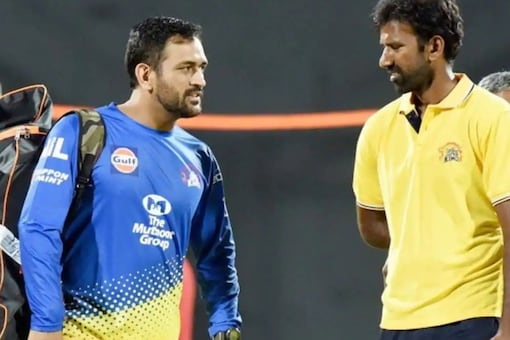 There is no one quite Dhoni, Balaji heaps praise on MSD.
