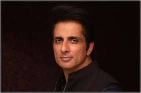 Twitterati Call Out Sonu Sood for 'Fake' Philanthropy, Here's His Response
