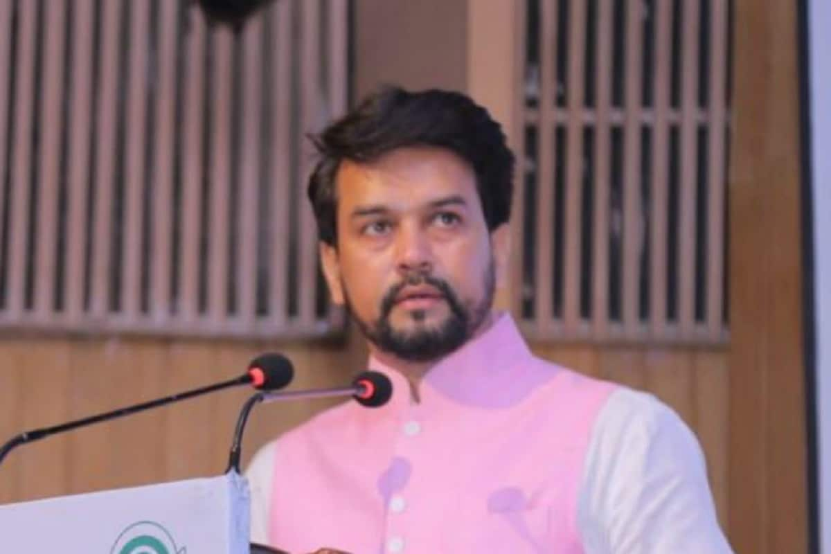Ex-BCCI President Anurag Thakur Bats for Legalising Betting in India, Says Will Help Curb Match-fixing