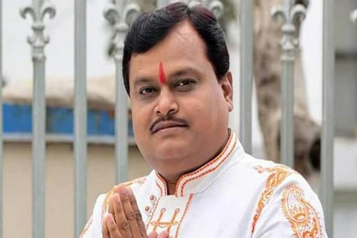 File photo of Sudarshan Channel Editor-in-chief  Suresh Chavhanke. (Credit: Twitter)